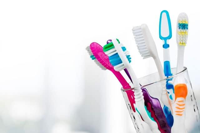 Cepillos dentales: ¿Eléctricos vs Manuales?
