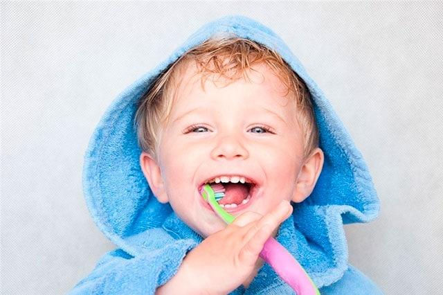 ¿Porqué tardan los dientes en salir?