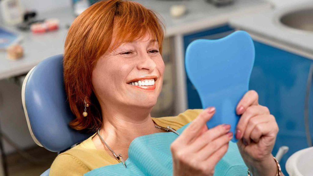 Correcta higiene de los Implantes Dentales