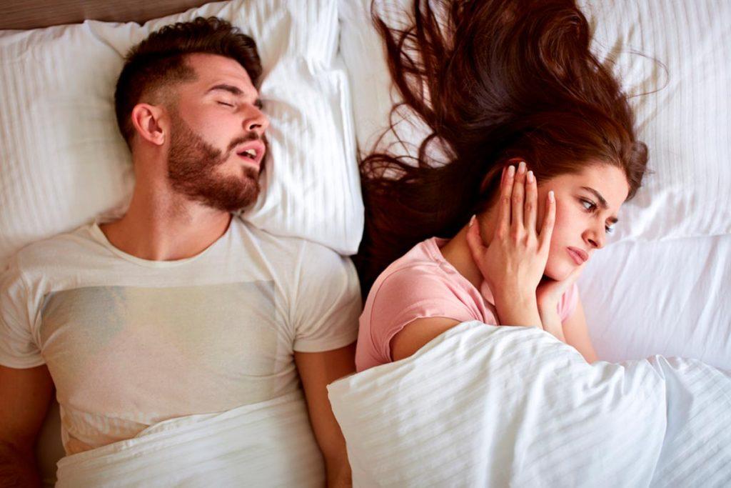 ¿Es posible dejar de roncar tanto?