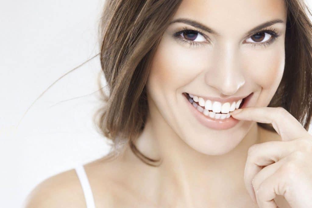 Titanio, el material que revolucionó la sustitución de dientes