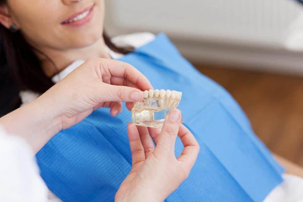 ¿Cuándo se deben utilizar incrustaciones dentales?