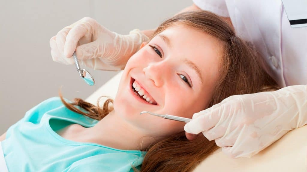 Invisalign Teen: Ortodoncia invisible para jóvenes y niños