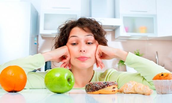 Qué alimentos son saludables para tus dientes y encías y cuáles no lo son