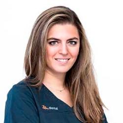 Dra. Claudia Vela Fierros