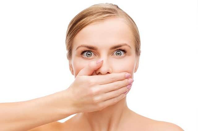5 claves para evitar la halitosis y el mal aliento