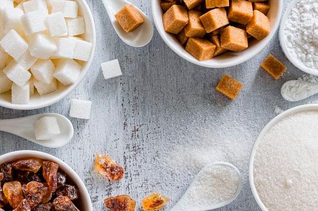 Consumo de alimentos con azúcar que dañan nuestra salud bucal