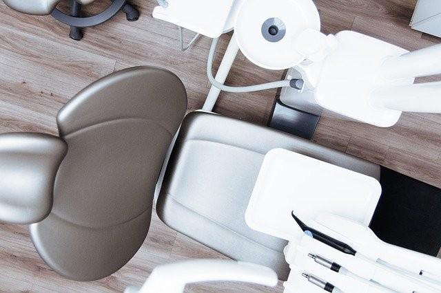 Cuáles son las causas más comunes de caries dental