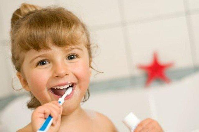cada cuanto acudir a la odontopediatría infantil