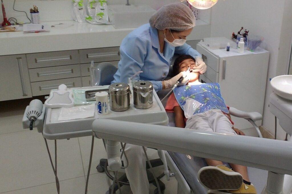 Ortodoncia infantil para prevenir problemas dentales en adultos